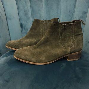 Steve Madden Shoes - Steve Madden Nylie Chelsea Bootie Taupe-Nubuck